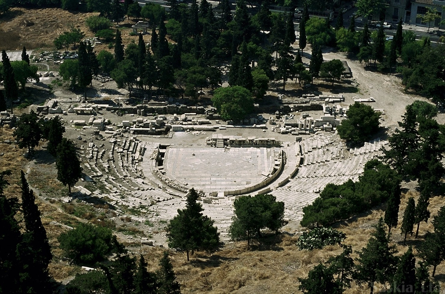 ancient greek theater The theatre of ancient greece was at its best from 550 bc to 220 bc it was the beginning of modern western theatre, and some ancient greek plays are still performed today it was the beginning of modern western theatre, and some ancient greek plays are still performed today.